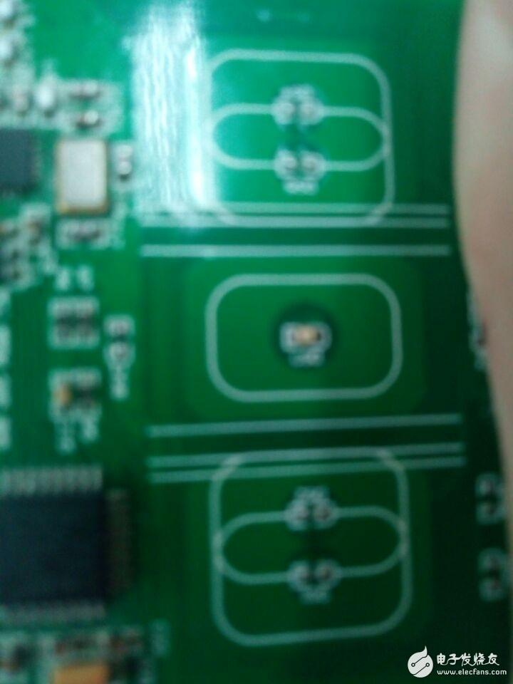一个电容式按键控制的智能灯,现在在画触摸部分,不知道怎样在AD中画这薄薄的一层?