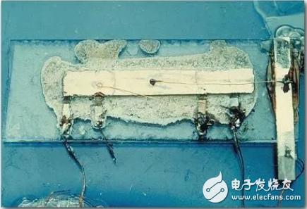 世界上第一块集成电路是这样诞生的
