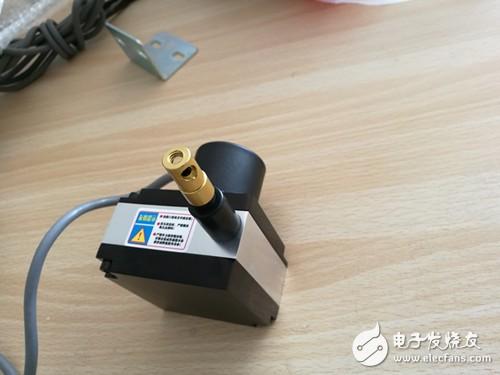 影响拉线位移传感器使用寿命的因素有哪些?