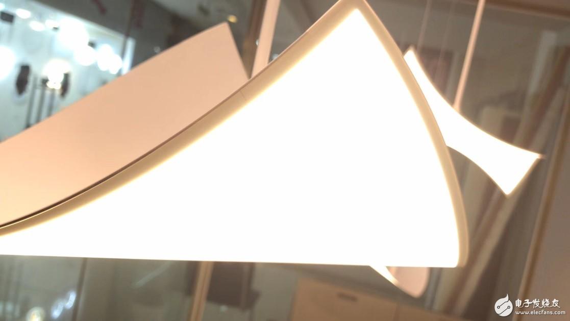 从显示到照明,体验OLED带来的全新视觉感受