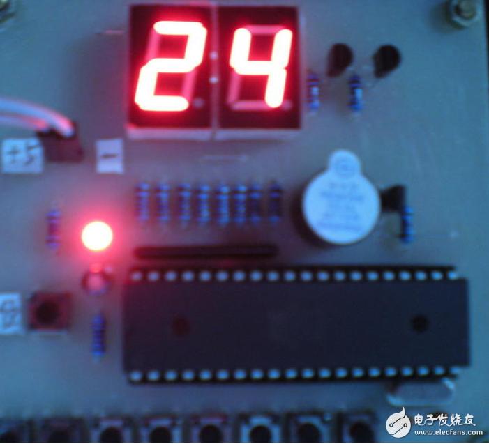 基于单片机的DIY设计8路抢答器资料分享!(原理图+PCB+源程序)