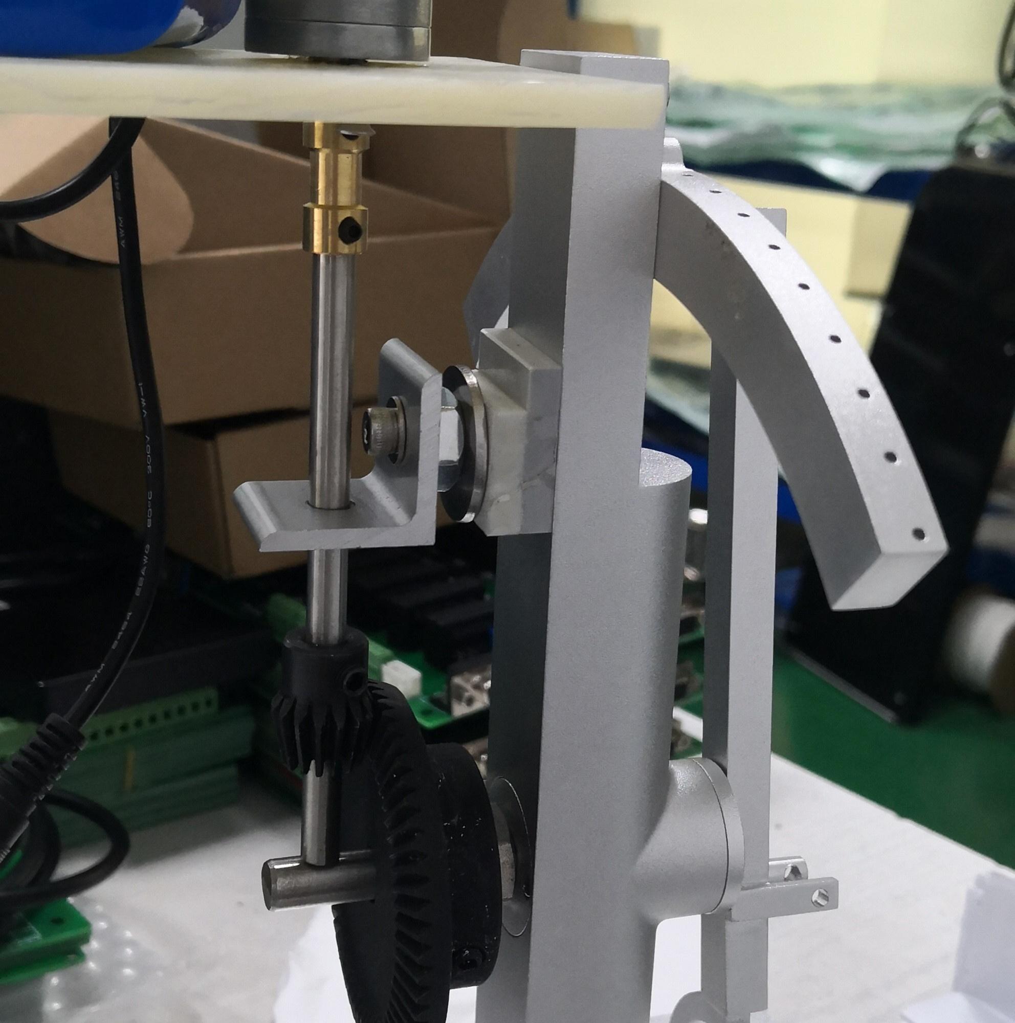 电机控制齿轮转动时,控制过程中总是会逐渐偏向