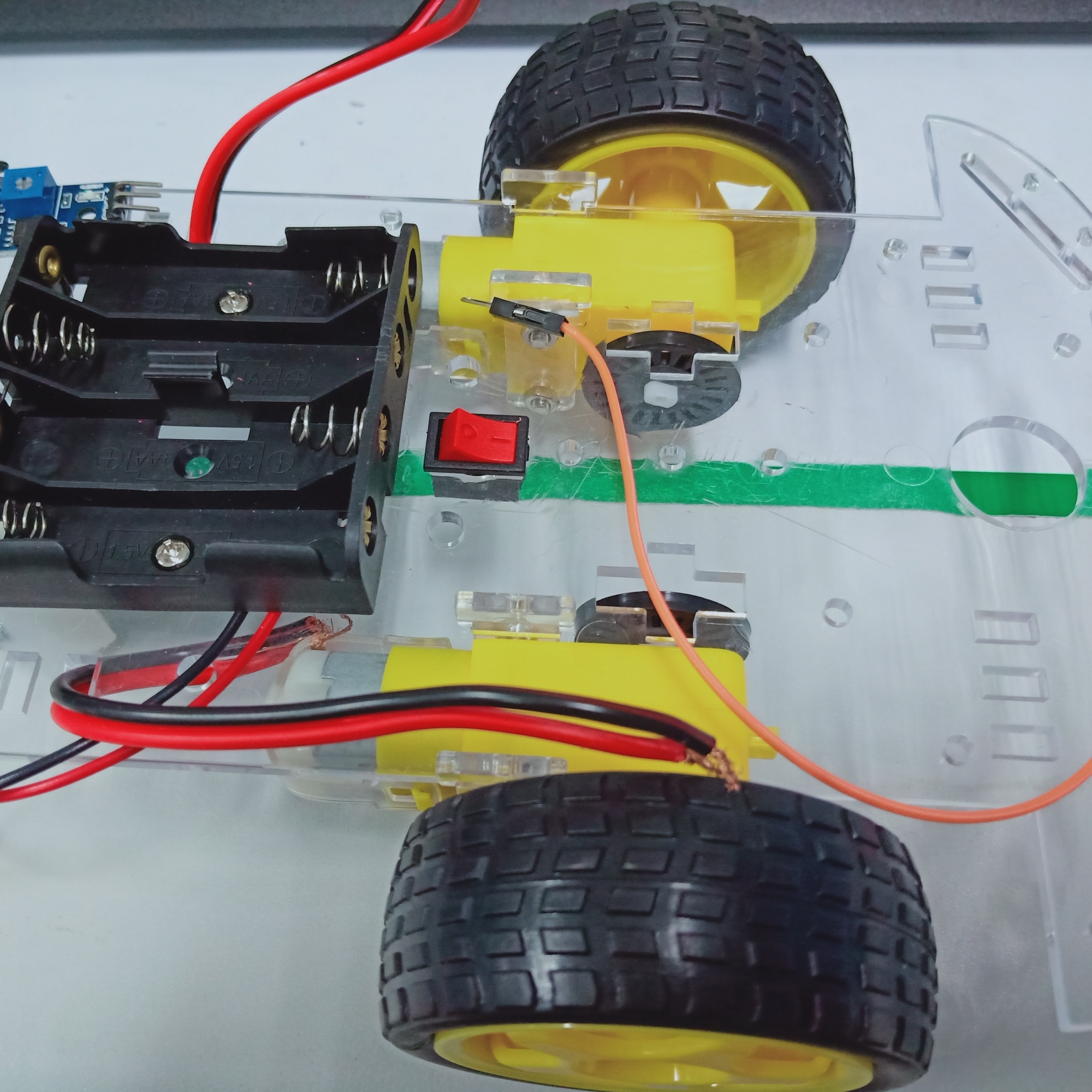 大佬可以教教如何做Arduino UNO小车的智能避障嘛?
