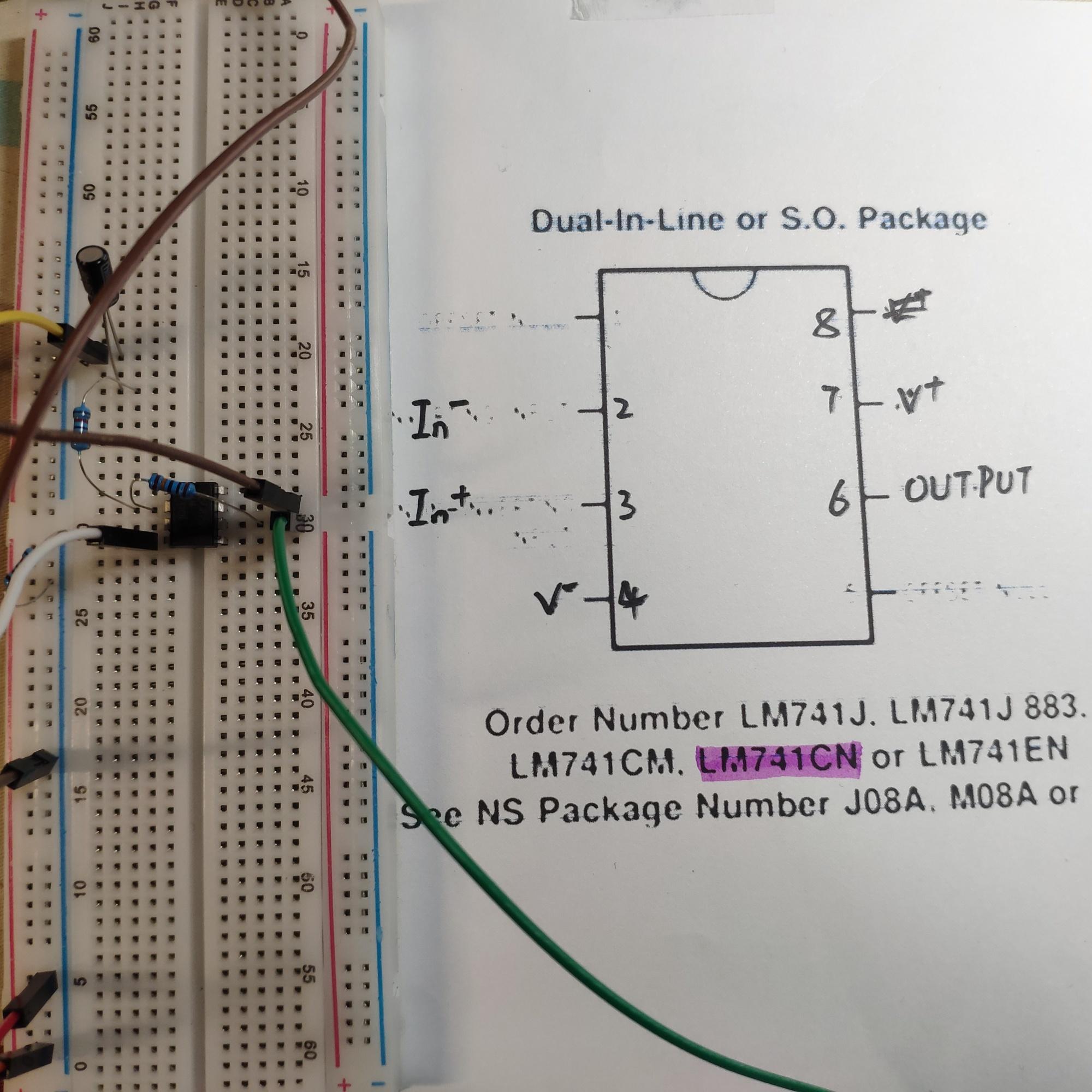 反相比例放大电路输出变成了同相输出